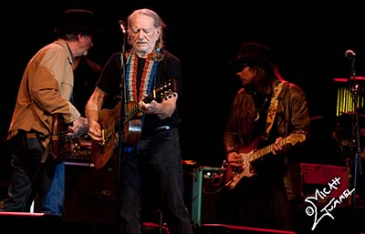 Willie Nelson Show On April 28 To Benefit Fertilizer Plant Explosion