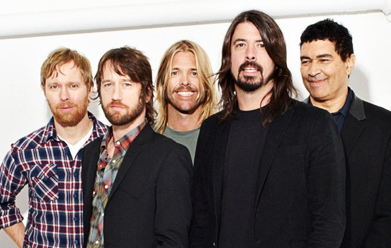Foo Fighters say new album is 'F'ing on' !