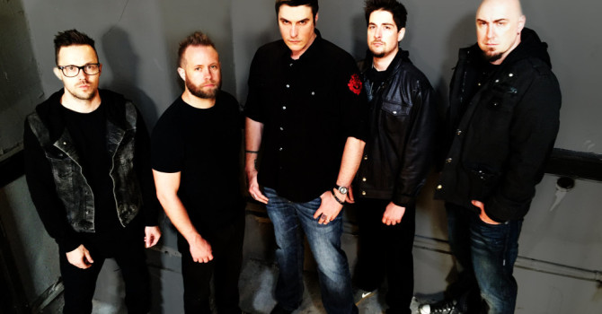 Breaking Benjamin Tour's With Shindown This Fall!!!!