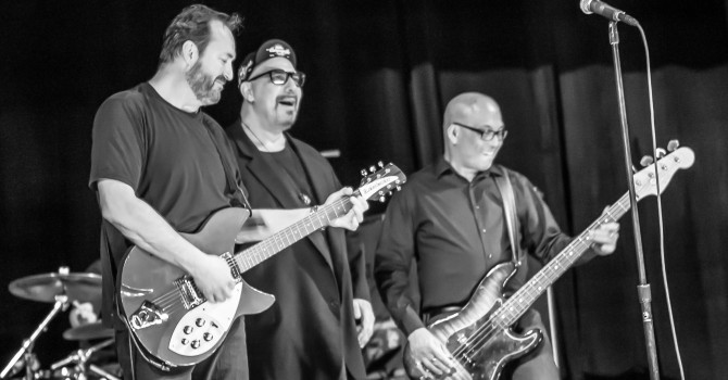 The Smithereens at The Larcom Theater – Beverly, MA