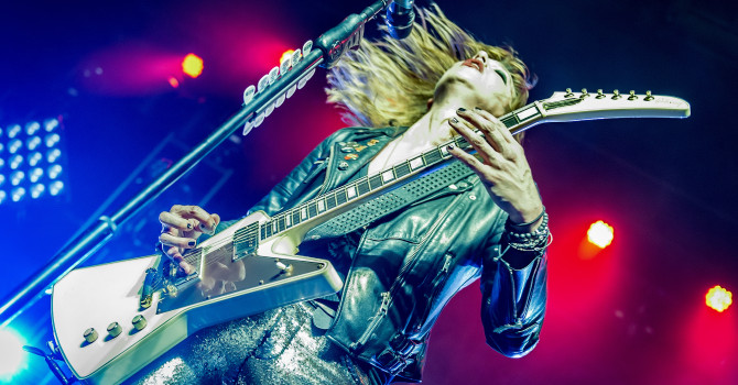 HALESTORM with LITA FORD and DOROTHY at The Casino Ballroom – NH
