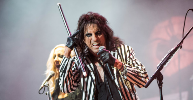 Alice Cooper – Lynn Memorial Auditorium, Lynn, MA – 5/14/16
