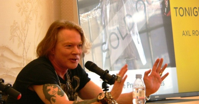 AXL ROSE BREAKS HIS SILENCE AT CHINA EXCHANGE