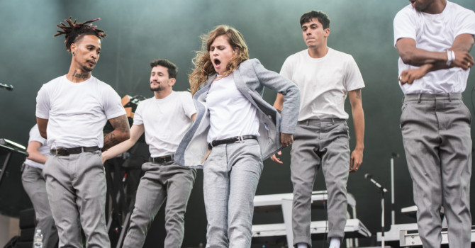 CHRISTINE AND THE QUEENS ANNOUNCES NORTH AMERICAN HEADLINE TOUR IN OCTOBER