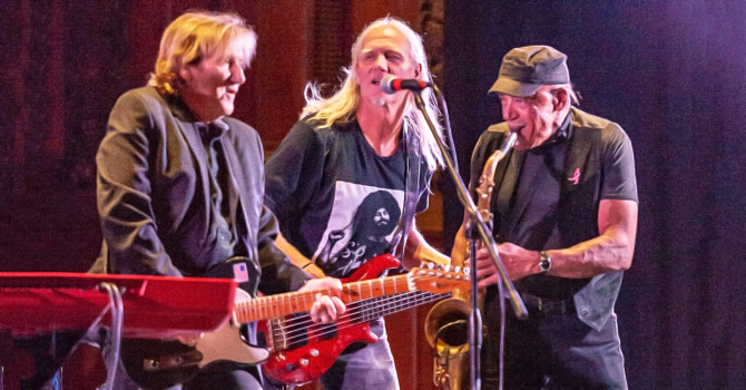 Barry Goudreau's Engine Room / John Cafferty and the Beaver Brown Band – Melrose Memorial Hall