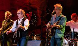 America at The Wolf Den – Uncasville, CT